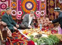 Таджикистанцы в марте будут отдыхать 14 дней