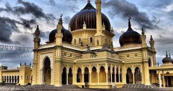 Мечеть Захир – самая знаменитая в Малайзии Джума-мечеть