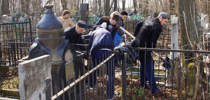 Мусульмане Хабаровска провели субботник