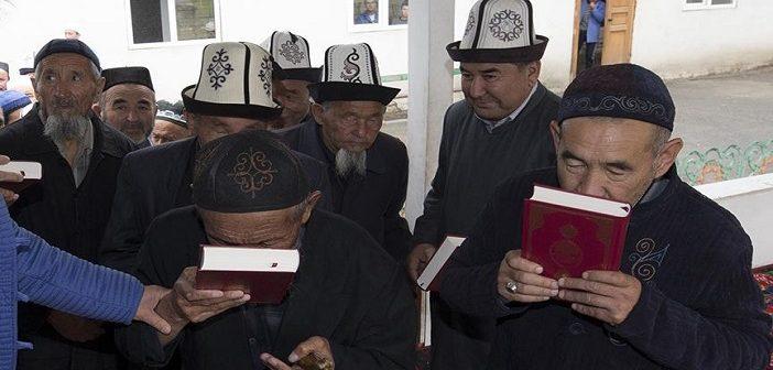В Кыргызстане хотят лишить русский язык официального статуса